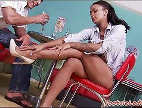 Foot loving babe jizzed on feet