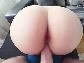 Young students fuck in jeans