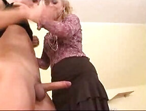 Mature Hot Mom Gets Straight And Anal