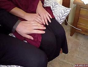 Arab Woman In Hijab No Money, No Problem Arabs Exposed