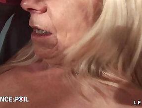 Casting amateur d une grand mere prise en double penetration et fistee