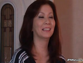 Sexy and horny mature mom