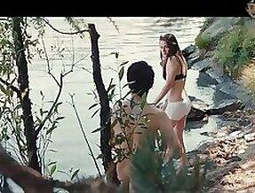 Twilight famousness Kristen Stewart fulgent her half naked body