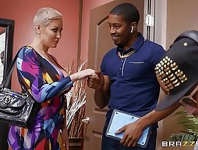 Older blonde unreserved Ryan Keely tries a juicy BBC on be advantageous to size