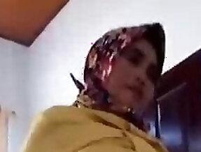 Indonesian - goyangan jilbaber